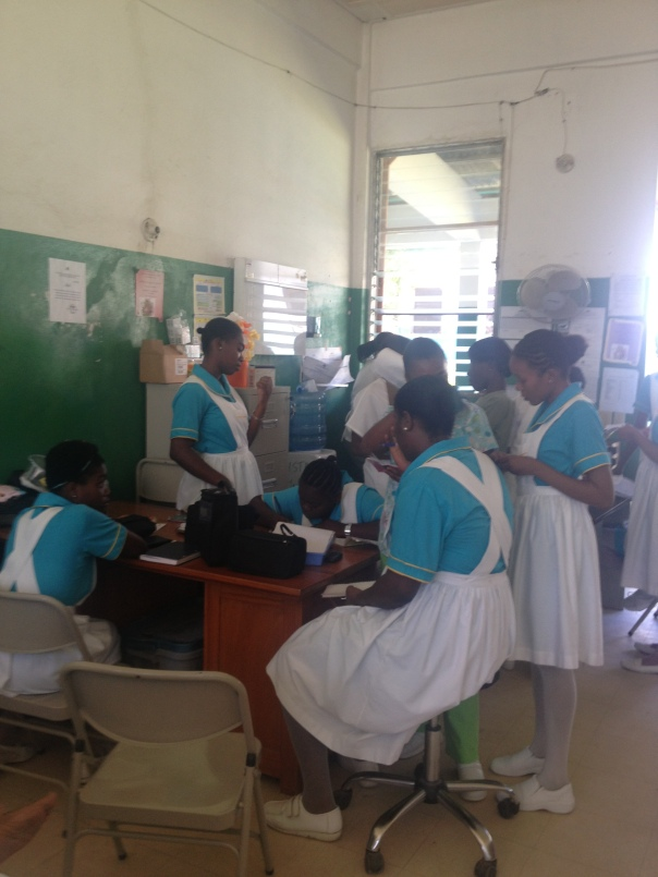 Nursing students learning on the ward